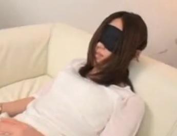 天野詩織 AVデビューした35歳の濡れ過ぎる美尻人妻