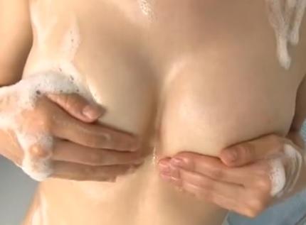 浅田麻友 美少女によるエロいイメージビデオ