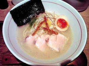 麺と心 7 濃厚魚介そば 新味