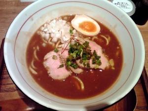 麺と心 7 次世代 たまり醤油の煮干白湯ラーメン(2013年版 ラーメン総集編)