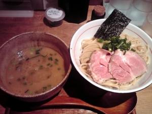 麺と心 7 W白湯つけ麺