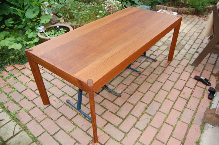 dining-table-3.jpg