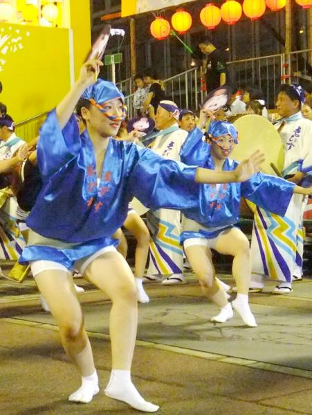 女性の男踊り11