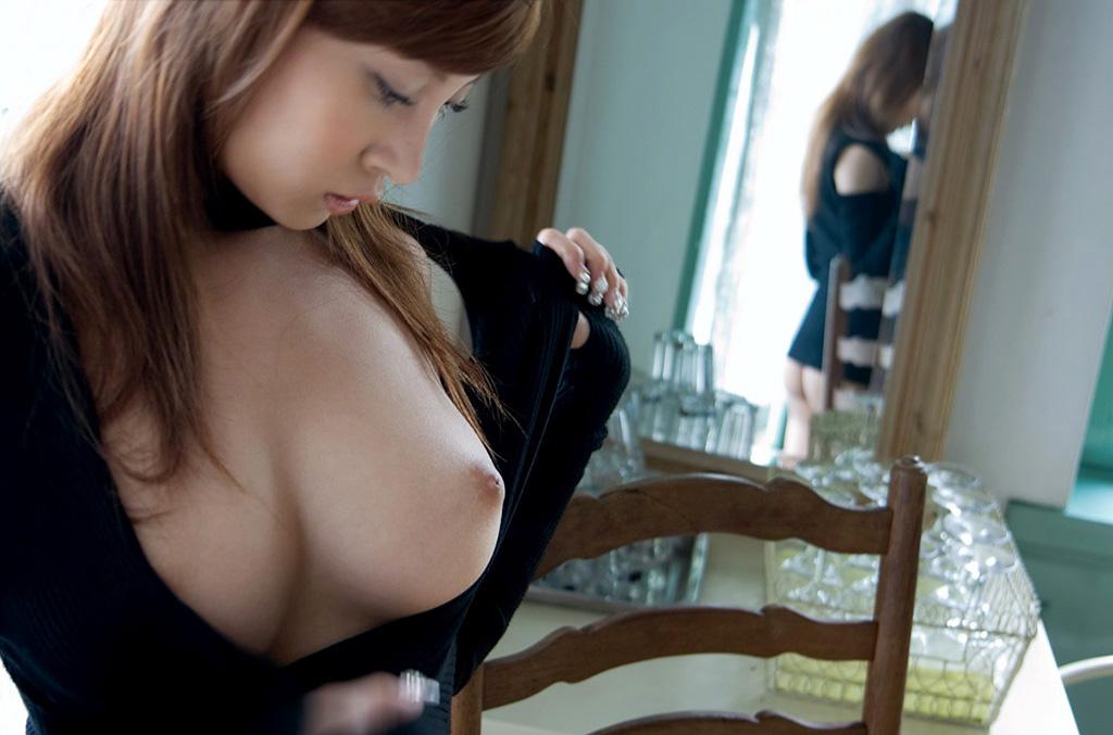 『乳首をツンツンしちゃイヤ・・・』大きいのに垂れてない理想のおっぱい
