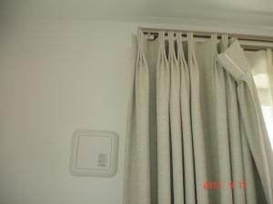 既存のカーテンレールとカーテン