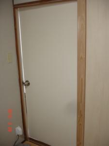 ドア(開き戸)へ交換取付