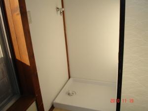 緊急止水弁付横水栓・洗濯機パン新規取付