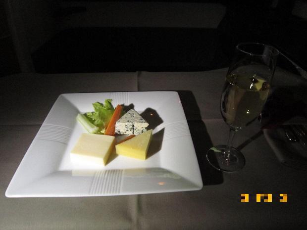 JALファーストクラス チーズの盛り合わせ