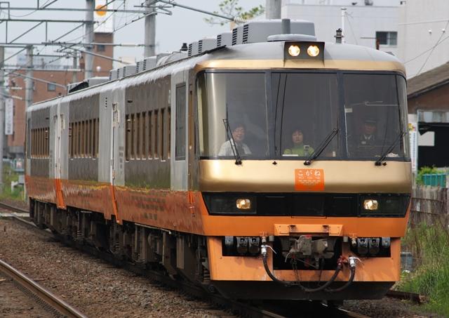 100522-JR-E-DC58-kogane-3.jpg