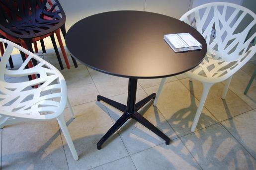 Bistro Round Table (HPL) ビストロ ラウンド テーブル 室内外兼用 Ronan & Erwan Bouroullec Vitra社