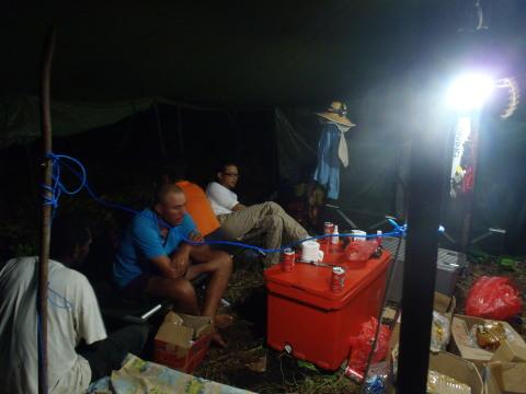 キャンプ生活(インドネシア釣行)