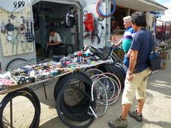 15ブロディのバザールの自転車屋_サイズ変更