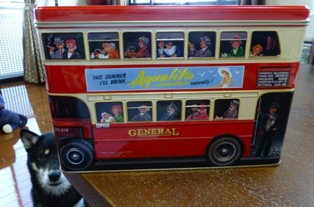 ロンドンバス缶1