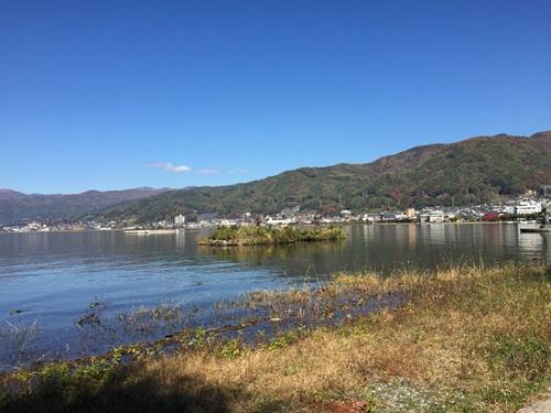 諏訪湖散歩と中央道原PAの紅葉