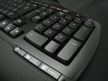 Logicool_Cordless_Desktop_MX-5500_Revolution_004.jpg