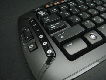 Logicool_Cordless_Desktop_MX-5500_Revolution_005.jpg