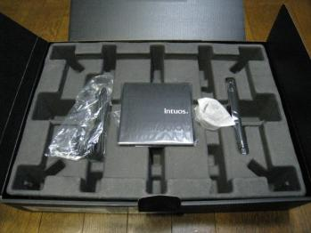 wacom_intuos4_wireless_PTK-540WL_005.jpg