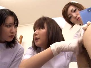 ナースが真面目にチンポをシゴきアナルに指を入れて前立腺を刺激する下半身検診