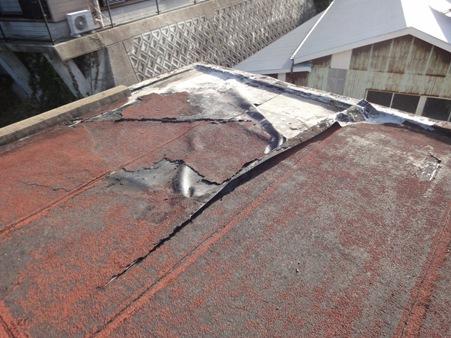 アスファルト防水の屋根