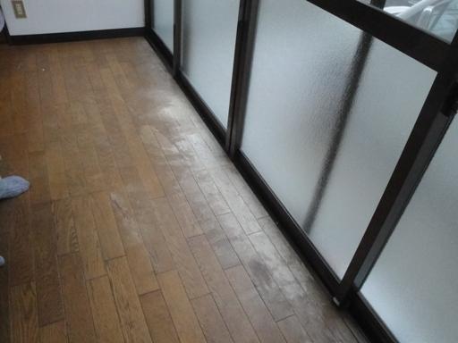 床 フロア板の塗装