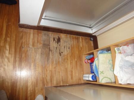洗面所床修繕
