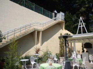 ガーデンチャペル階段